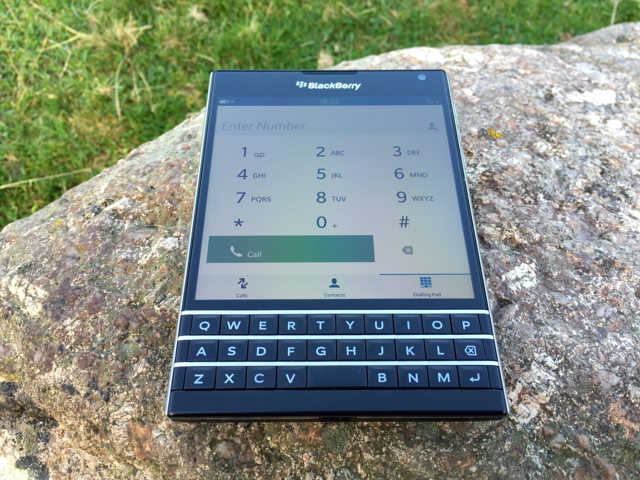 BlackBerry Passport – Impressions part 2 – will it bend