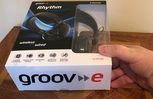 groov e rhythm bluetooth headphones mic review wired or wireless headphones gavin 39 s gadgets. Black Bedroom Furniture Sets. Home Design Ideas